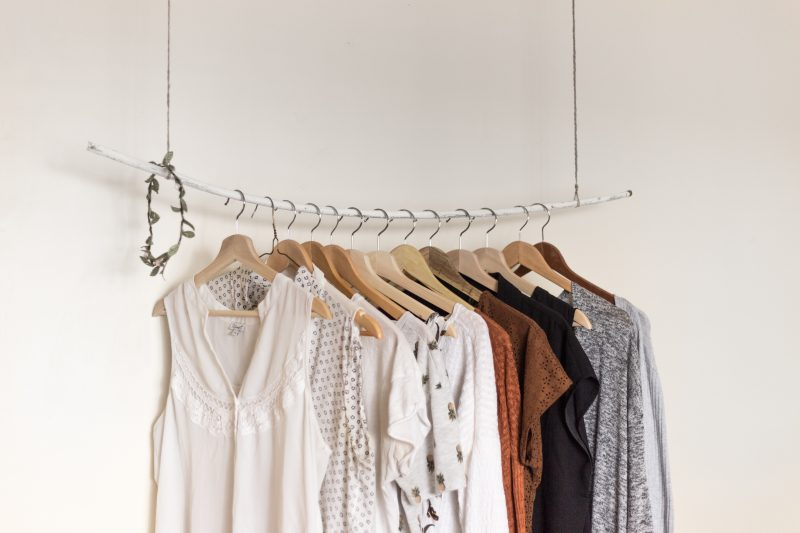 apartment closet 2 800x533 - Easy Apartment Closet Organization Tips